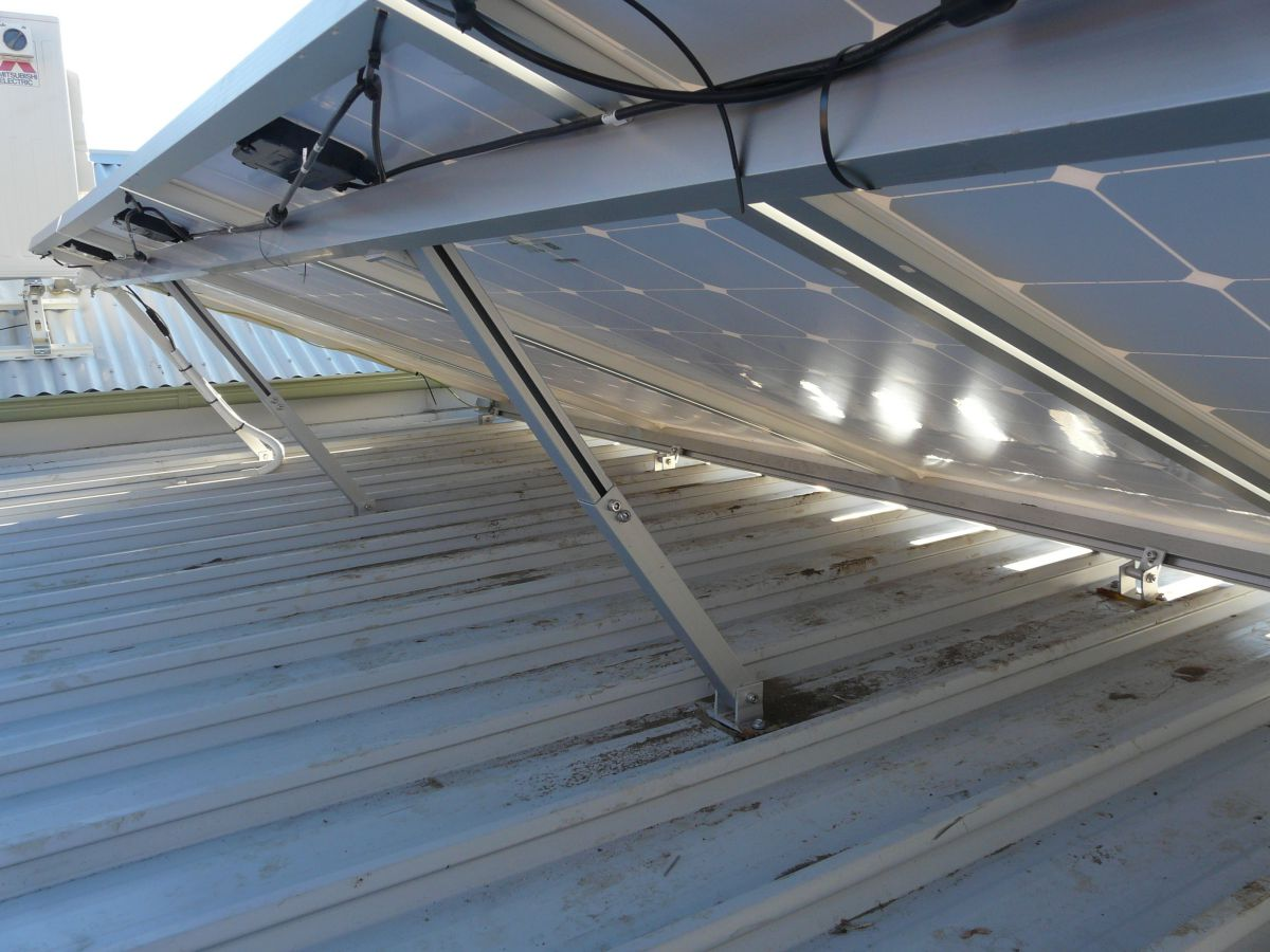 Adjustable solar racking system